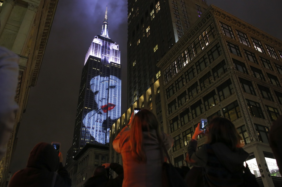 Fashion icons light up NY's Empire State Building