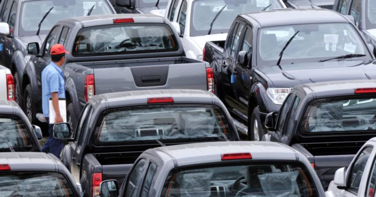 New vehicles sales in July ease 3.4 per cent