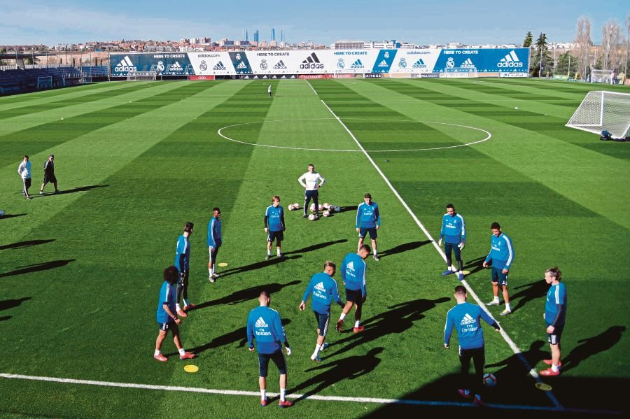 Real Madrid players attend a training session on the eve of the Spanish  league