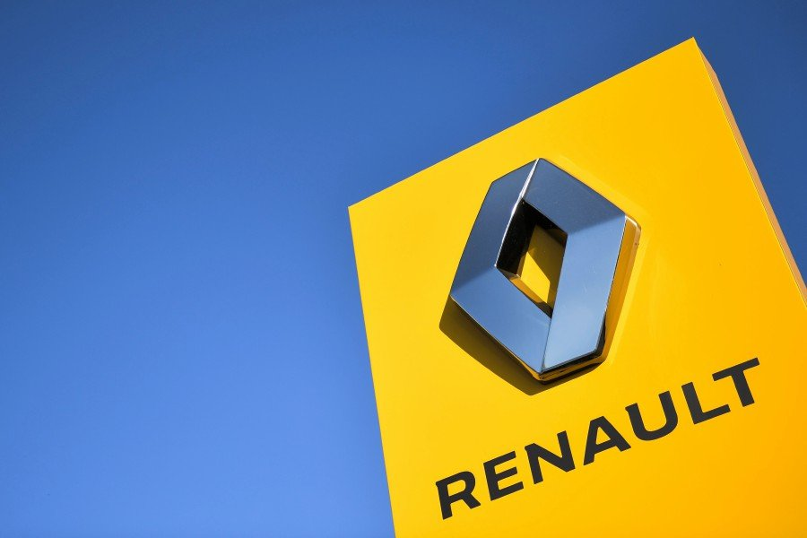 """Renault's shares fell on Wednesday after Moody's cut its rating on the French carmaker's debt to """"junk"""" status, citing weaker profitability as the company restructures and grapples with falling demand. -- NSTP Archive"""