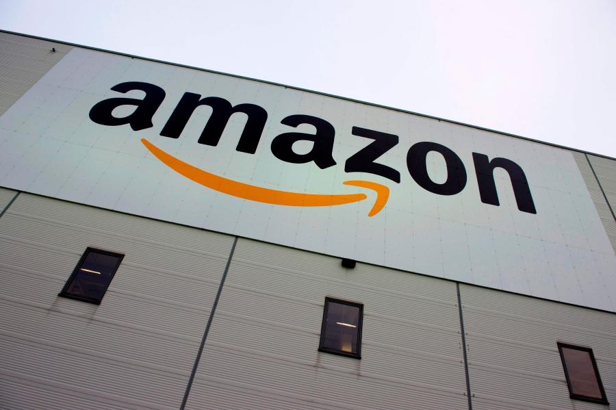 8a056c564d7 Amazon becomes most valuable publicly-traded company
