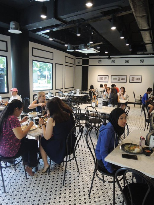 Good Old Days restaurant on Singapore's Sentosa Island offers authentic local cuisine at reasonable prices, writes Alan Teh Leam Seng