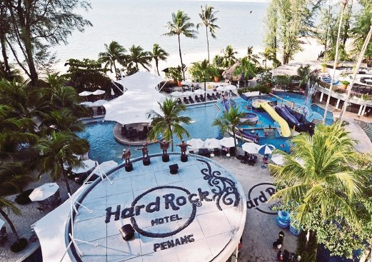 Everyone 39 s a star at penang 39 s hard rock hotel new - Hard rock hotel penang swimming pool ...