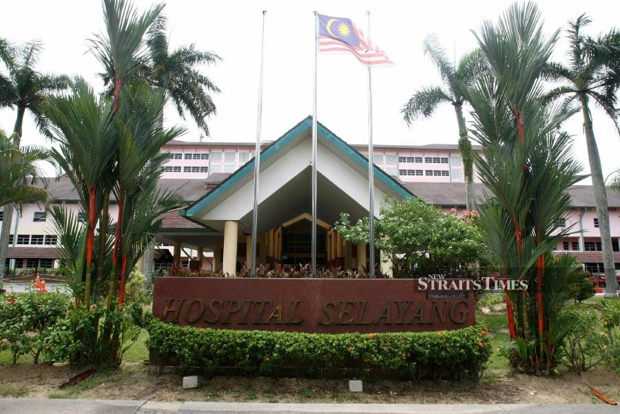 The Health Ministry through a post on its official Facebook page had denied claims made by the person filming the video that the coronavirus had allegedly spread to the hospital. - NSTP/EIZAIRI SHAMSUDIN