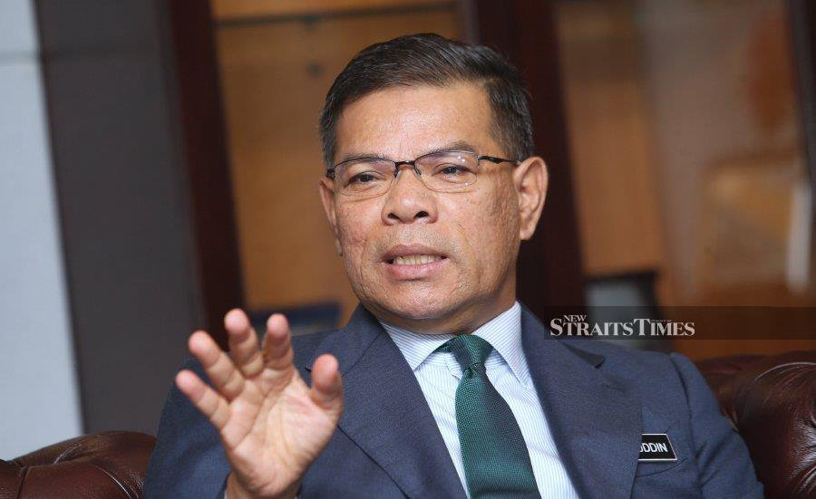 KPDNHEP minister Datuk Seri Saifuddin Nasution Ismail says over 2,300 enforcement officers will be deployed to ensure traders comply with the festival's price control scheme for 16 main essential items enforced between Jan 20 and Feb 2. - NSTP file pic