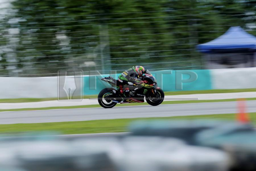 Hafizh Syahrin of Monster Yamaha Tech 3 Team in action during the Motorcycling Grand Prix of Malaysia 2018 in Sepang International Circuit. - NSTP/LUQMAN HAKIM ZUBIR