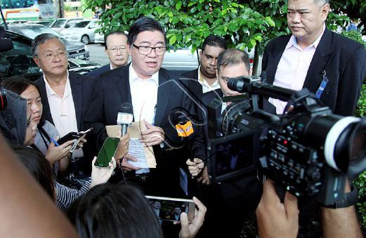 (FILE PIX) Parti Cinta Malaysia (PCM) vice-president Datuk Huan Cheng Guan during a press conference in this October 10, 2016 picture. Huan lodged a police report today urging the police to investigate Chief Minister Lim Guan Eng for allegedly uttering seditious remarks. File Pix by Zulaikha Zainuzman