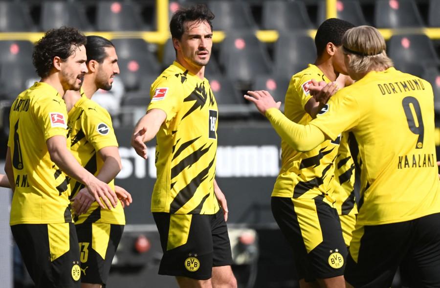 Dortmund face 'catastrophe' after shock Frankfurt defeat