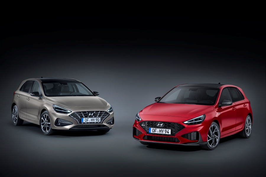 The new i30 (left) and i30 N Line.