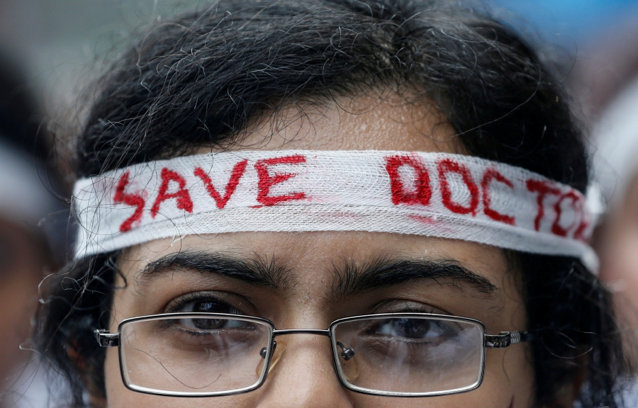 A medical student participates in a protest called by Indian Medical Association (IMA), during a nationwide doctors strike in Kochi, India, June 17, 2019. Reuters Photo
