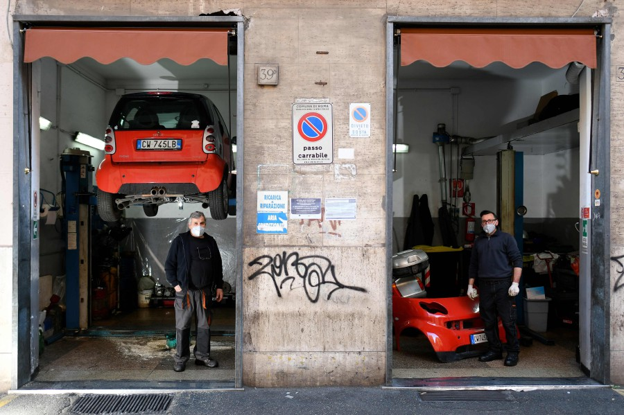 Europe's major car and parts makers rushed on Wednesday to close factories and cut output in Italy and considered sending workers home elsewhere, in the first signs that coronavirus is disrupting the region's struggling automotive industry. -- NSTP Archive