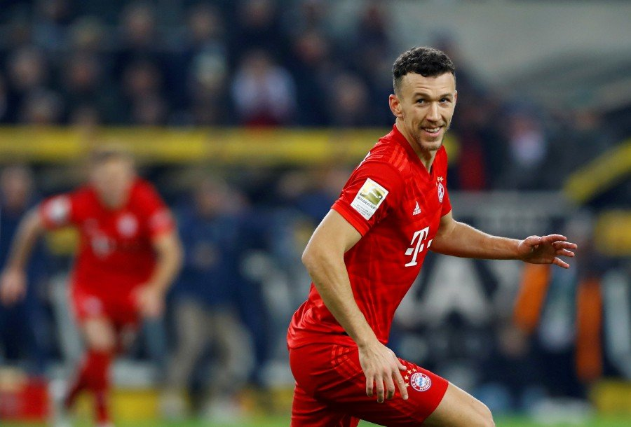 Bayern down to 7th after defeat at leaders Gladbach