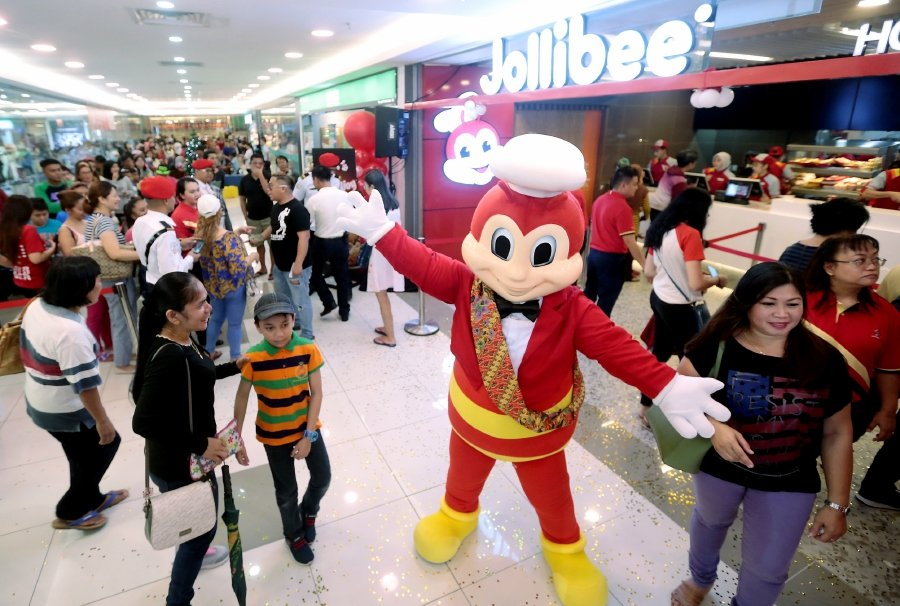 After opening outlets in London and Manhattan recently, Jollibee Foods Corporation (JFC) is now in Malaysia with a Jollibee fast food outlet in Kota Kinabalu | NSTP/EDMUND SAMUNTING