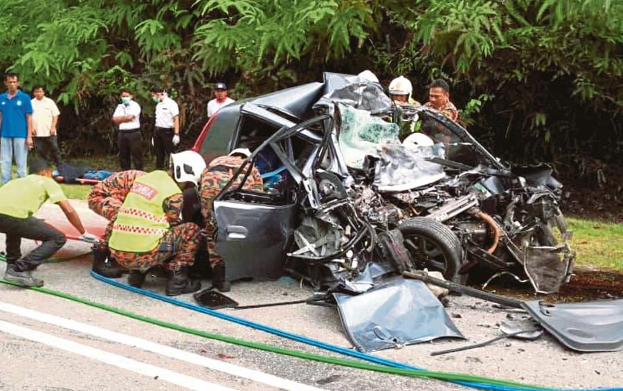 Four people believed to be siblings, killed in lorry-car crash | New