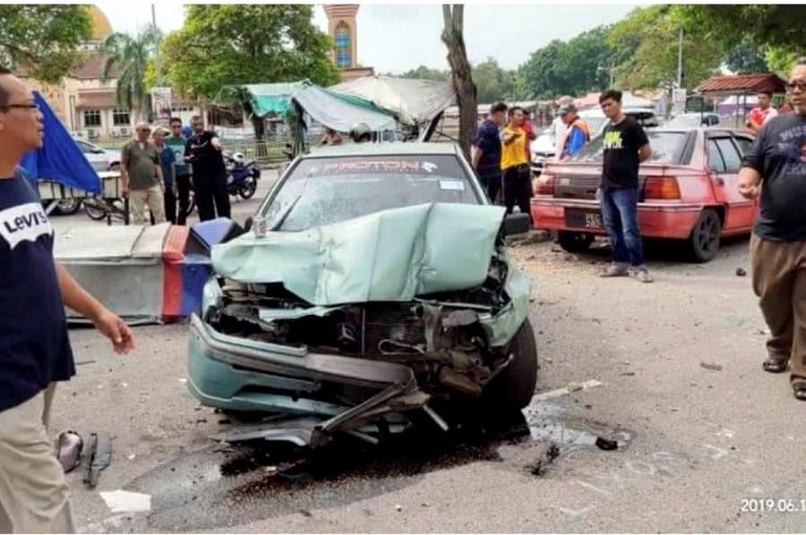 Drunk driver crashes car into Penang kuih stall, killing