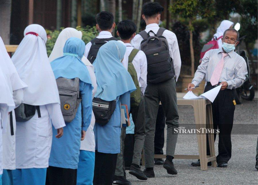 """Eighty eight non-governmental organisations and individuals have urged the Education Ministry to adopt a more serious and systematic intervention in tackling the """"period spot checks"""" issue.  - NSTP file pic (For illustration purposes only)"""