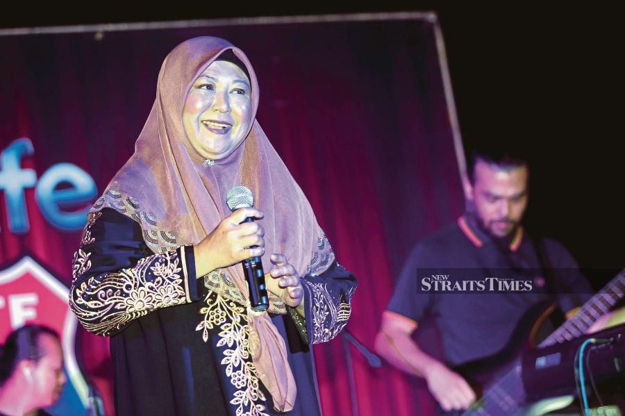 Showbiz: Living with incontinence, Shima forced to wear