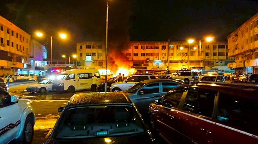 Five vehicles destroyed in fire at Damai Point   New Straits Times
