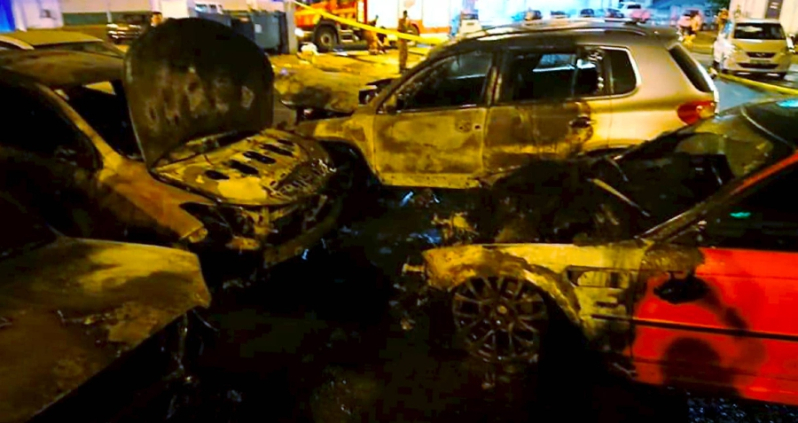 Five vehicles destroyed in fire at Damai Point | New Straits Times