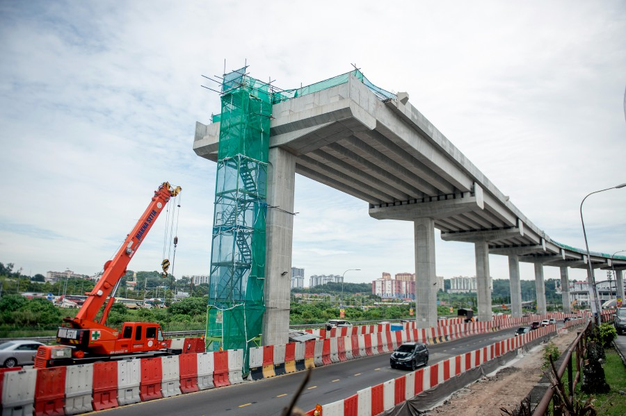 Kuala Lumpur City Hall (DBKL) and related agencies have been asked to review regulations governing construction sites to further enhance safety, said Federal Territories Minister Tan Sri Annuar Musa. - Bernama pic