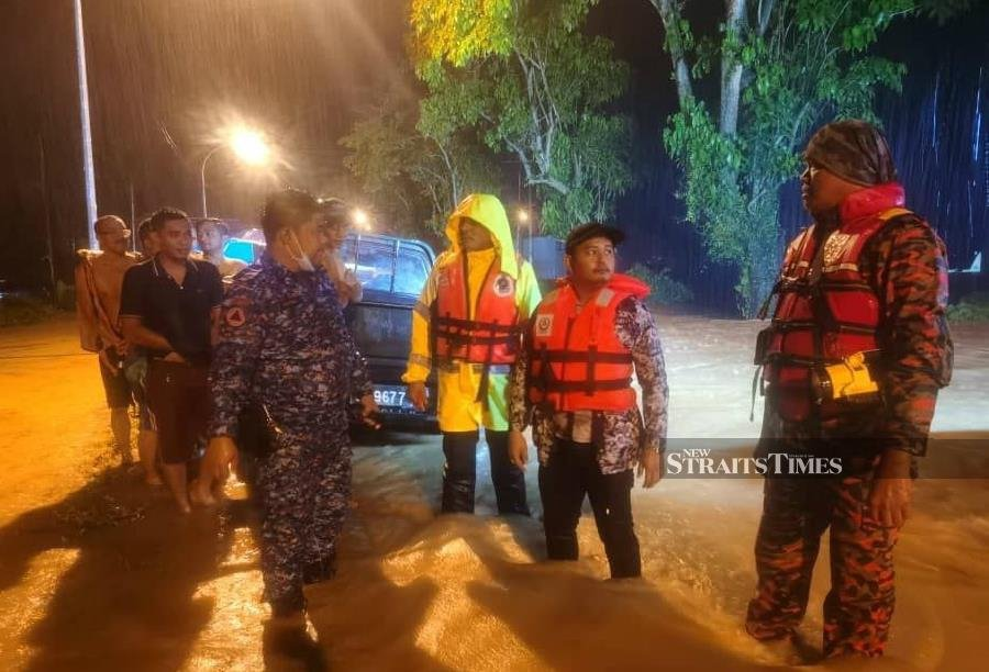 Several districts in Sabah are flooded following a continuous downpour since Saturday afternoon. - NSTP/ courtesy of APM