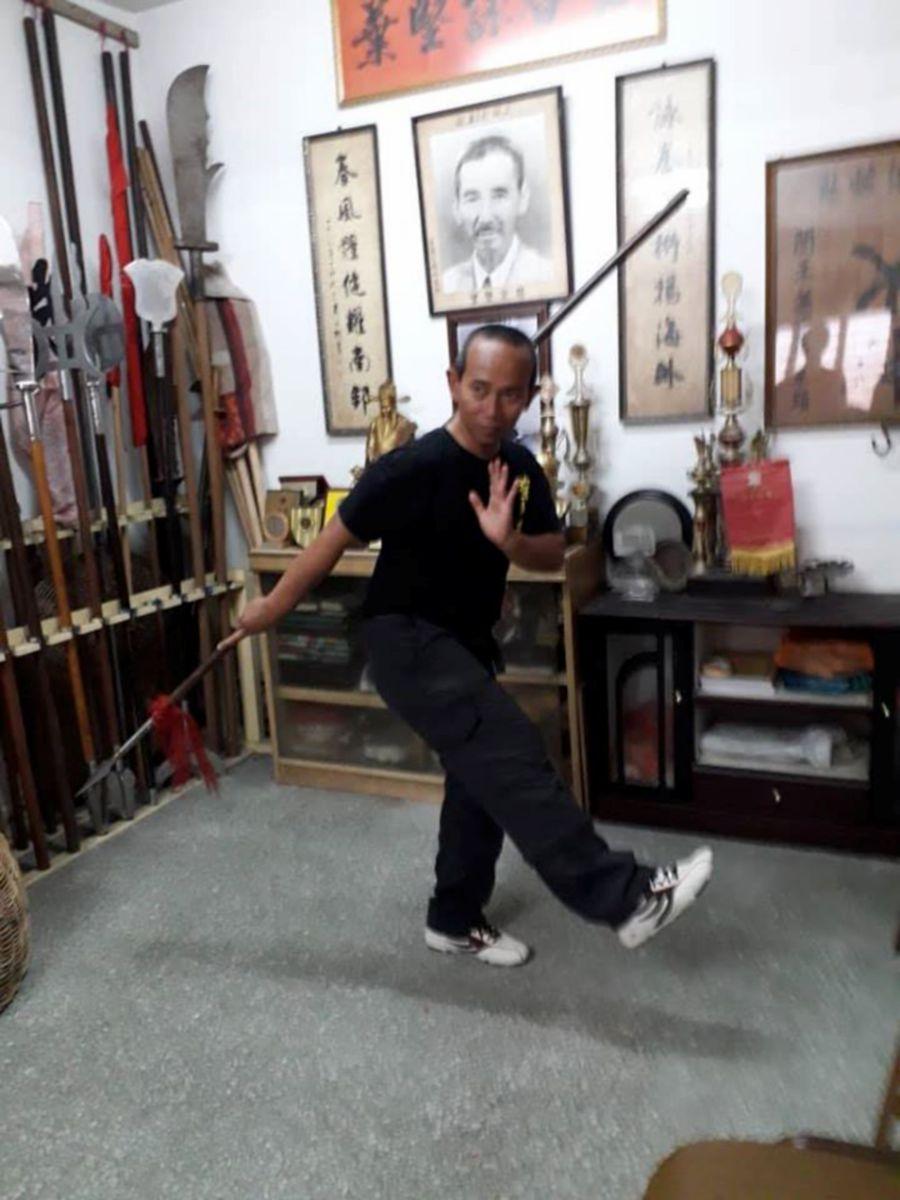 Kahar Saidun is among only three Yip Kin Wing Chun master instructors in Malaysia. - Pic source: Facebook/kaharwingchunteacher