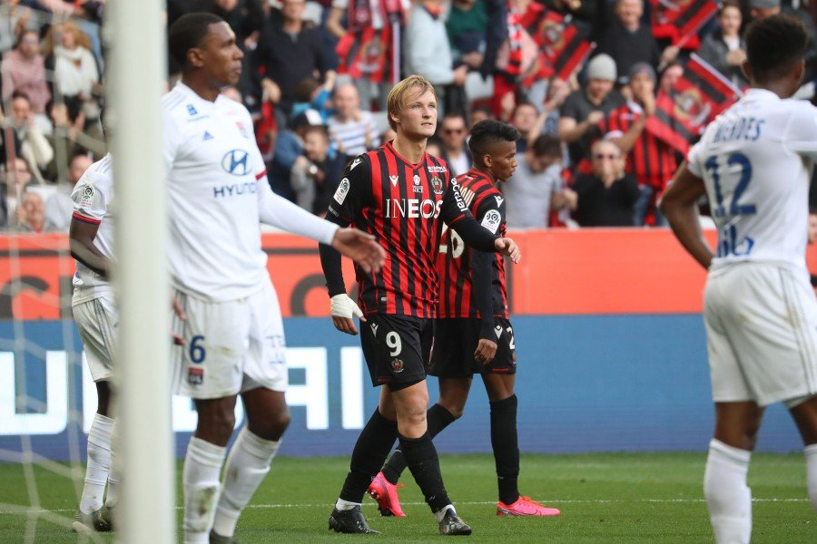 Nice's Danish forward Kasper Dolberg celebrates after scoring his team's second goal against Olympique Lyonnais at the Allianz Riviera stadium in Nice. -AFP