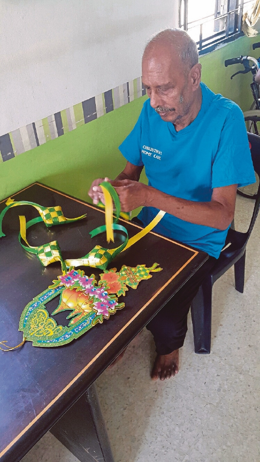 Every Raya, the elderly folks at Christina's Home Care will take part in decorating the house