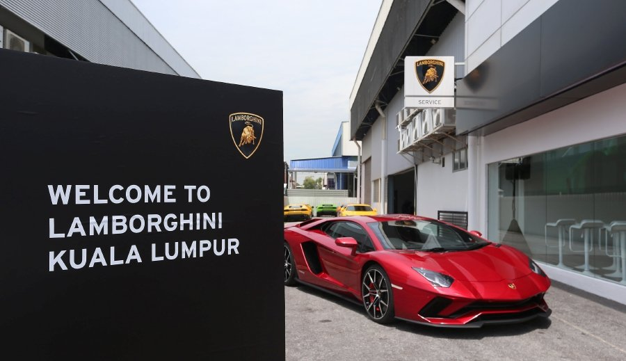 Loco For Lambos 38 Lamborghinis Sold In Malaysia So Far This Year
