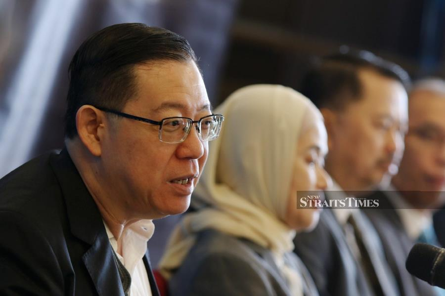 The government needs to achieve an equilibrium to increase revenue through tax collections while at the same time not burden taxpayers, Finance Minister Lim Guan Eng said today. - NSTP/MIKAIL ONG