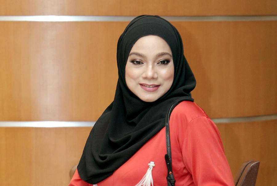The Delegation Of Nurses plans to sue Elite singer Linda Rafar and wants an apology and compensation from her. - NSTP/SAIFULLIZAN TAMADI