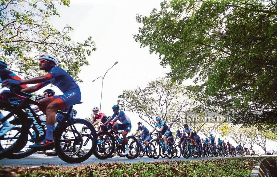 Yevgeniy Fedorov of Vino-Astana Motors clinched a thrilling victory in the opening stage of the Petronas Le Tour de Langkawi (LTdL) in Kuching, today. -NSTP/LUQMAN HAKIM ZUBIR