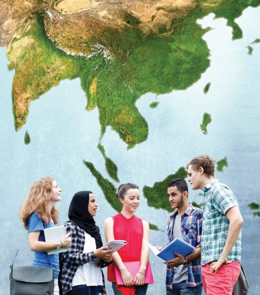 There are currently more than 120,000 foreign students in institutions of higher learning in Malaysia.