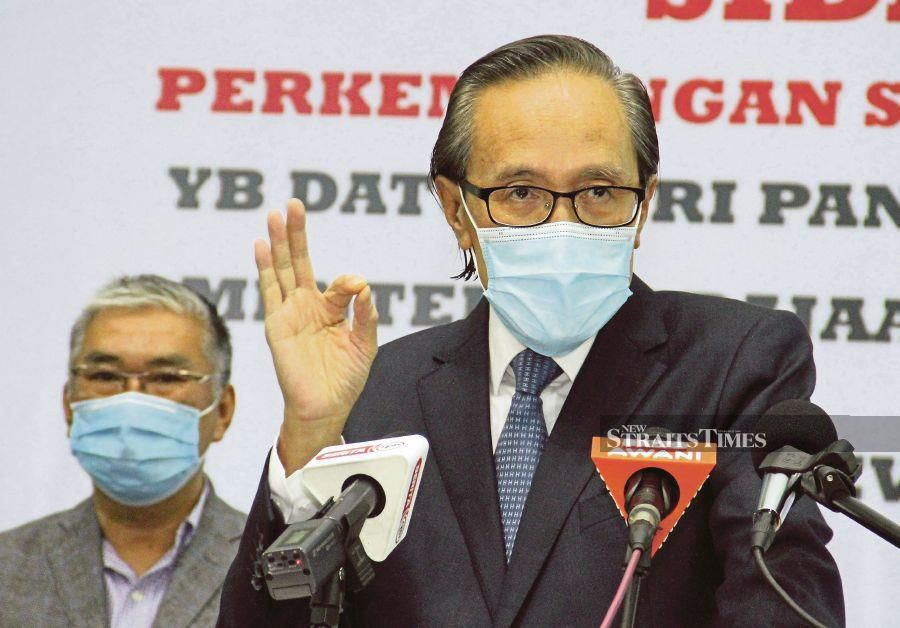 Sabah Covid-19 spokesperson Datuk Seri Masidi Manjun said the increase in the coronavirus cases was worrying and that the state government hoped the community would cooperate by complying with the required standard operating procedures (SOPs). -NSTP File Pix