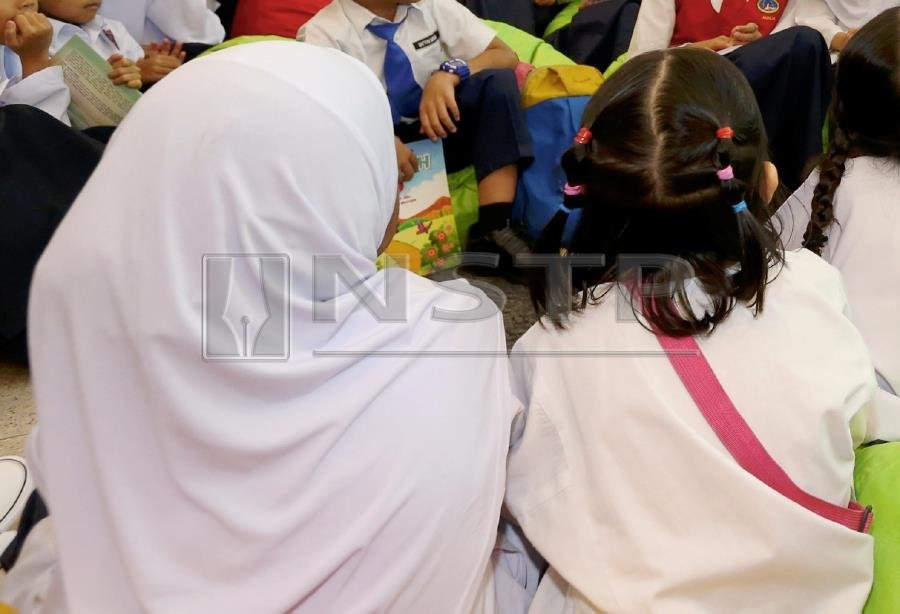(File pix) Children at a school. Education should play a role in discouraging female circumcision. Pix by NSTP/Ahmad Irham Mohd Noor