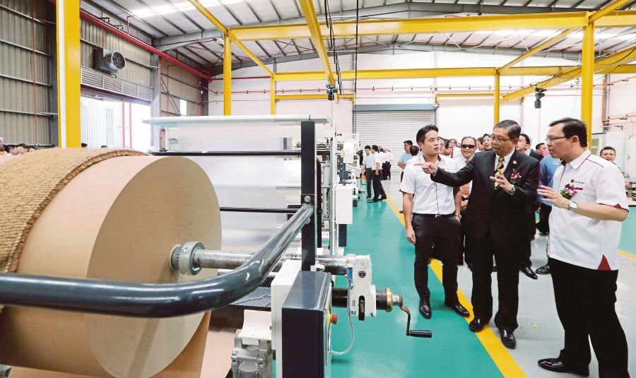 The new plant was opened by state Investment, Industry and Corridor Development committee chairman, Datuk Seri Mohammad Nizar Jamaluddin here today. Photo Credit: NSTP/ Abdullah Yusof