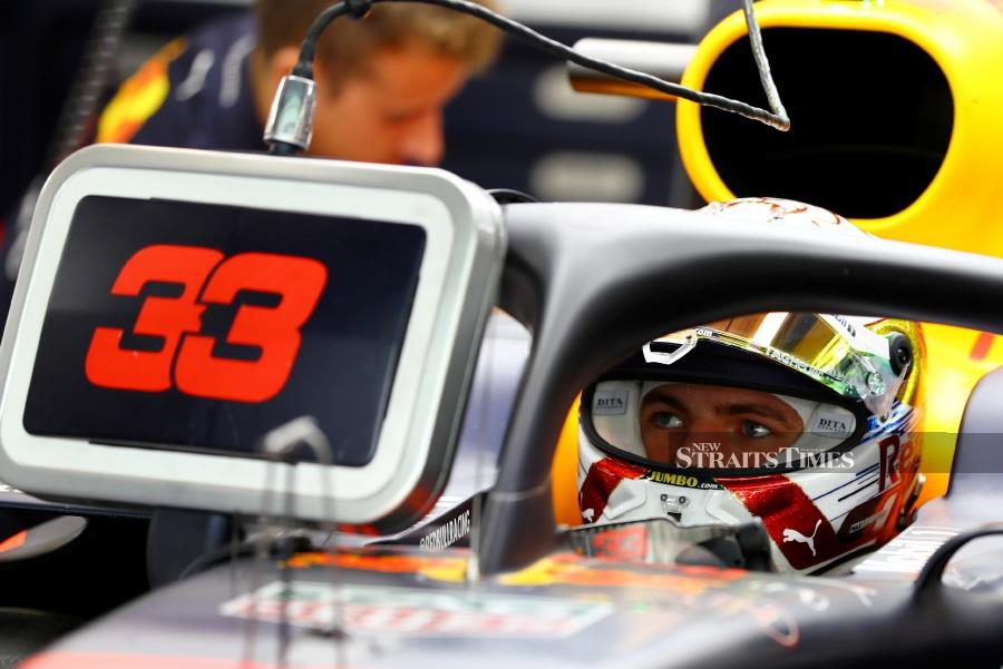 FILE PHOTO: Formula One F1 - Abu Dhabi Grand Prix - Yas Marina Circuit, Abu Dhabi, United Arab Emirates - November 30, 2019 Red Bull's Max Verstappen during practice. REUTERS