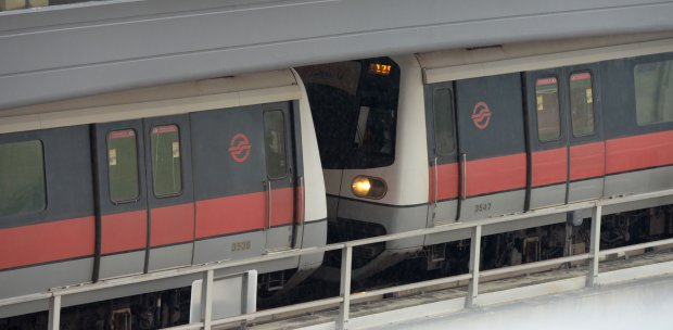 Western Woman Strips Naked At Singapore Mrt Station  New -2695