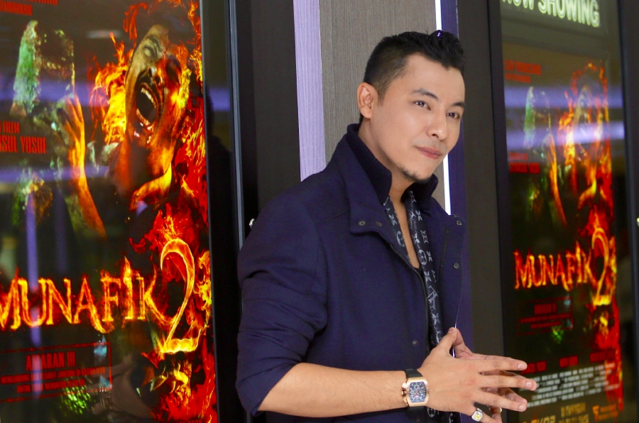 Syamsul Yusof's horror film Munafik 2 has raked in a whopping RM40 million at the box office after 17 days, and the award-winning director plans to have it screened in Vietnam and Hong Kong.