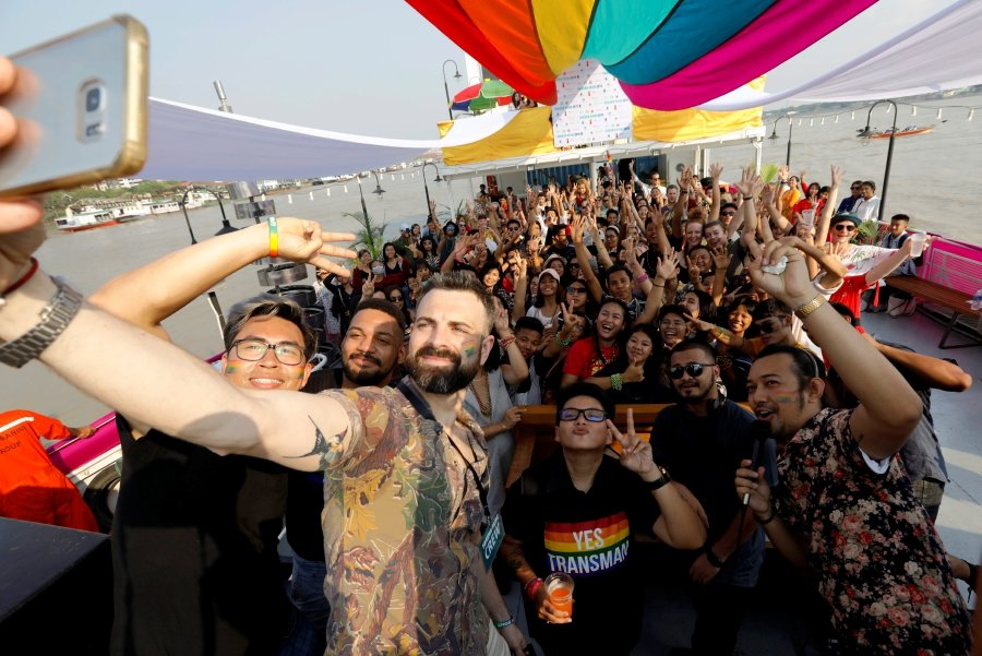 Myanmars First Lgbt Pride Parade Sets Sail  New Straits Times  Malaysia General -9885