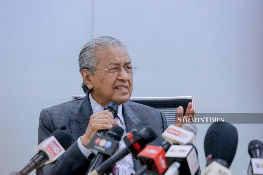 Former prime minister Tun Dr Mahathir Mohamad said the people's anger toward the government is justified. - NSTP file pic