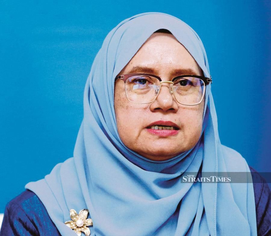 """""""The ministry implements the meritocracy principle in selecting students eligible to study at public universities."""" Mazula Sabudin, Higher Education Department student enrolment management division director"""