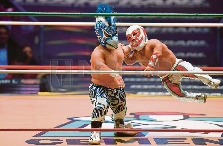 Mexico's dwarf wrestlers overcome mockery to become stars | New