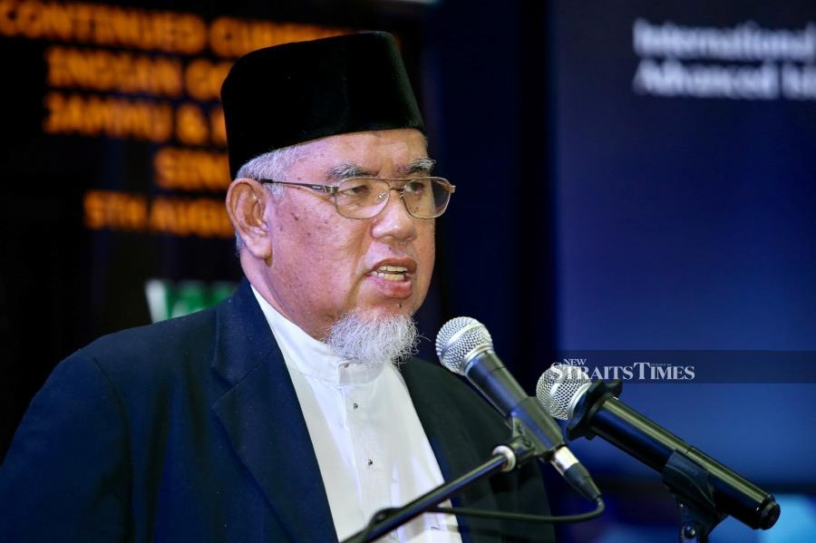"""(File pic) Describing the move as """"abhorrent"""", its president Mohd Azmi Abdul Hamid said the unilateral decision was also a recognition of Israeli crimes against the Palestinians and showed that the US foreign policy was now fully subjugated by Israel. (NSTP/MOHD KHAIRUL HELMY MOHD DIN)"""
