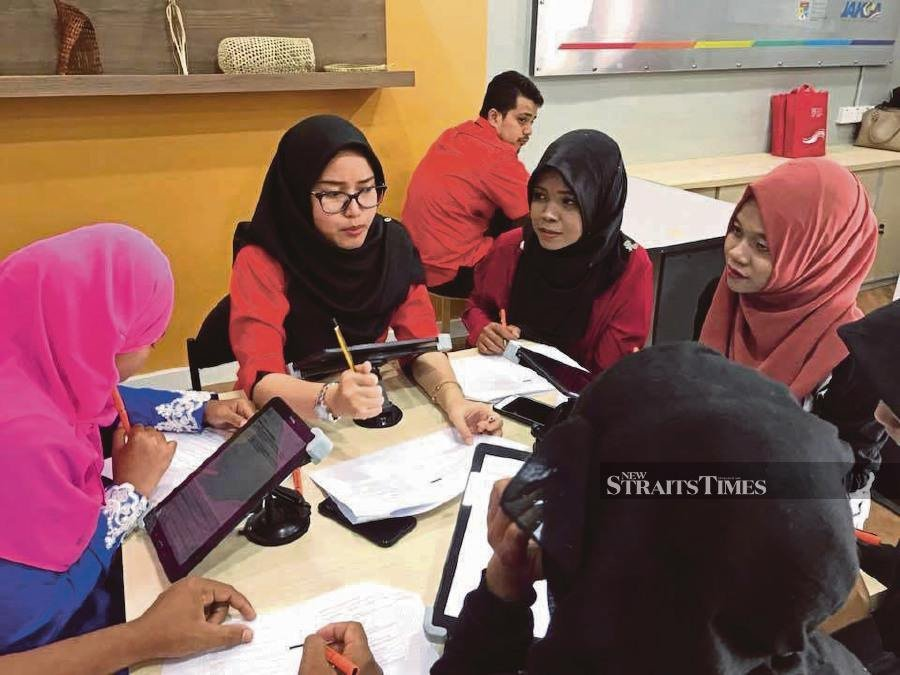 Academics at universities, regardless of how knowledgeable they are, are being questioned for their industrial working experience. Young academics are sent out to be mentored by the chief executive officers of the industries. - FILE PIC