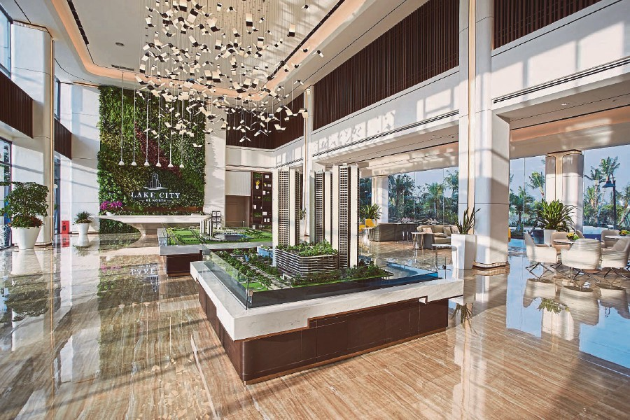 Country Garden Lake City's sales gallery and experience hall is now open to the public.