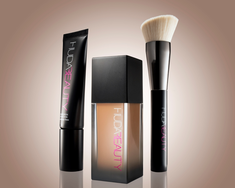 The foundation, primer and brush set from Huda Beauty.