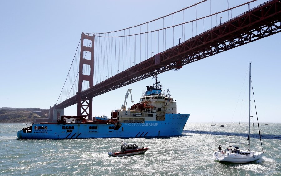 The Ocean Cleanup Project Sails Out To Sweep Pacific