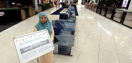 Get Comfy On Malaysiau0027s Longest Sofa In Ipoh