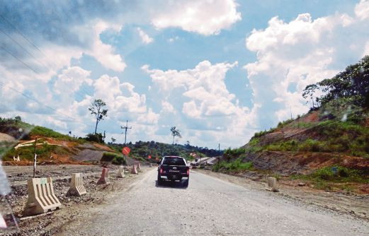 (File pix) When completed in early 2022, the 1089km-lomh Pan-Borneo Highway will be a catalyst for growth in Sarawak. Pix by Mohd Roji Kawi